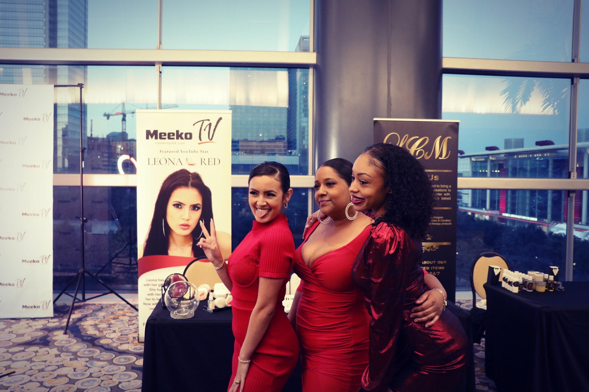 Jessica Alba Red Carpet Shoes & Fashion - Meeko Spark TV